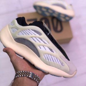 آدیداس یزی 700 وی 3 مردانه کرم Adidas Yeezy 700 V3